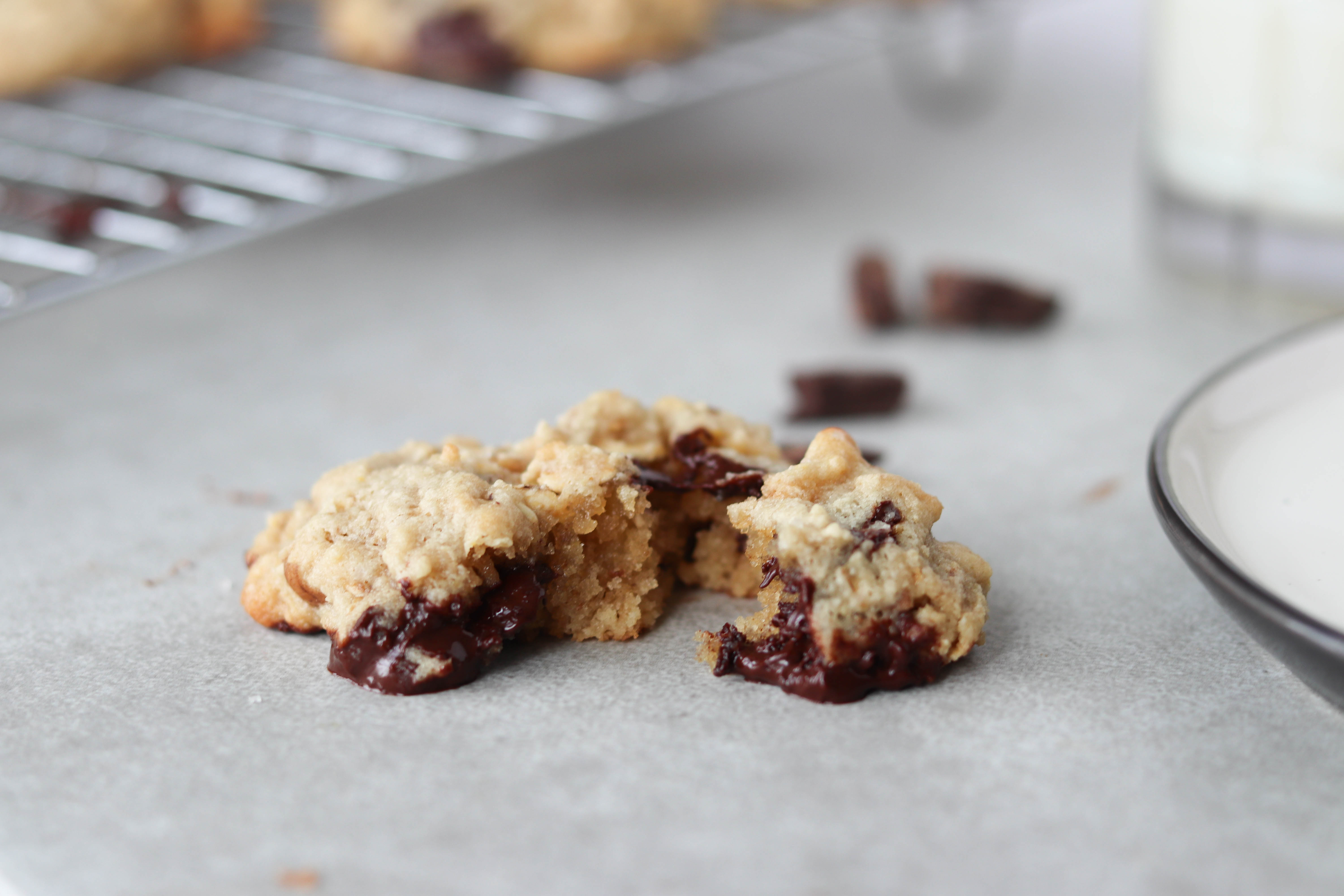 These oatmeal chocolate chip cookies are soft, chewy and melt-in-your-mouth. Made with almond flour, these cookies make for a healthier option to white flour | Mealswithmaggie.com